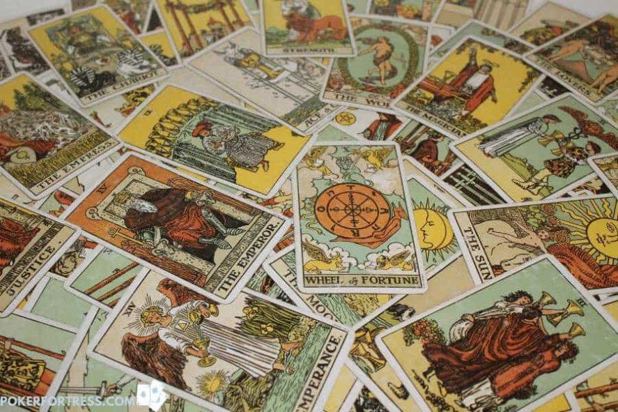 Cara bermain poker dengan kartu tarot